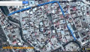 Şehrin en işlek caddeleri Küçük Ceyhan üzerinde