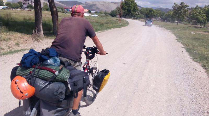 Elbistan'da Polonyalı Bir Tur Bisikletçisi