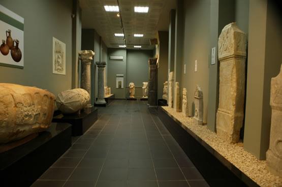 Kahramanmaraş Arkeoloji Müzesinde bulunan taş eserler
