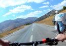 Nurhak'ta Bisiklet Üstünde Delikanlı Bir İhtiyar