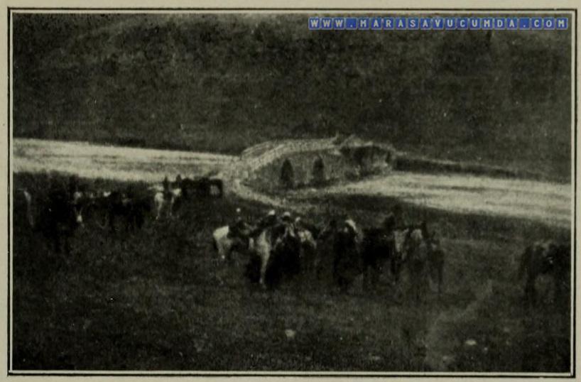 Maraş'ta Roma dönemi eseri olan Aksu Köprüsü'nün 1920 tarihli fotoğrafı