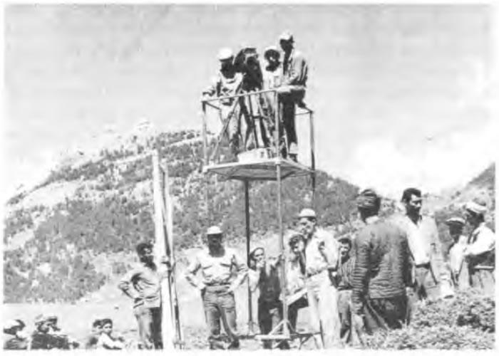 Karacaoğlan'ın Kara Sevdası filminin 1959 yılında Çığşar Yaylasındaki çekimlerinden. Atıf Yılmaz, Halit Refiğ ve Yılmaz Güney